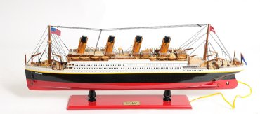RMS Titanic Med with Lights - In Stock