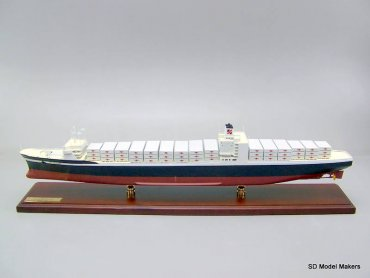 Container Ship - SL7 - 36 Inch Model